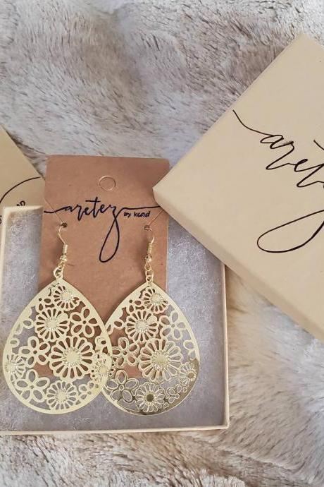 Aretez Hollow Flower Lace Teardrop Earrings