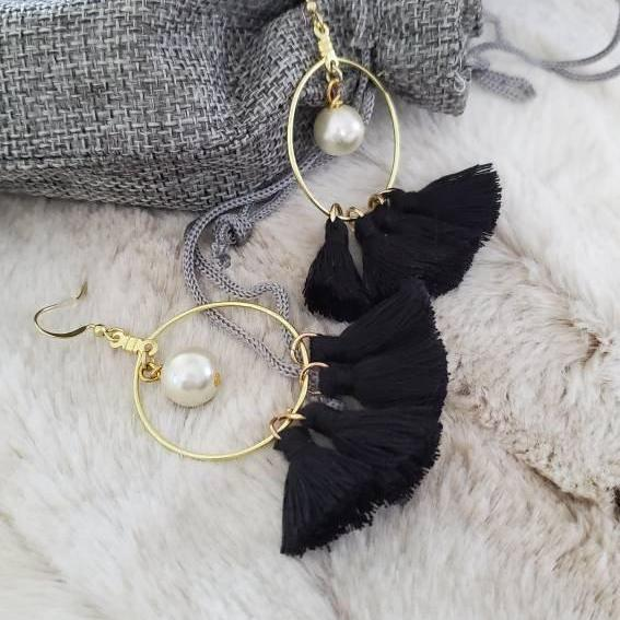Aretez SulogDatu Classic Round Pearl Black Tassel Earrings | Black Tassel Fringe Gold Hoop Earrings | Simple Handmade Small Tassel Earrings